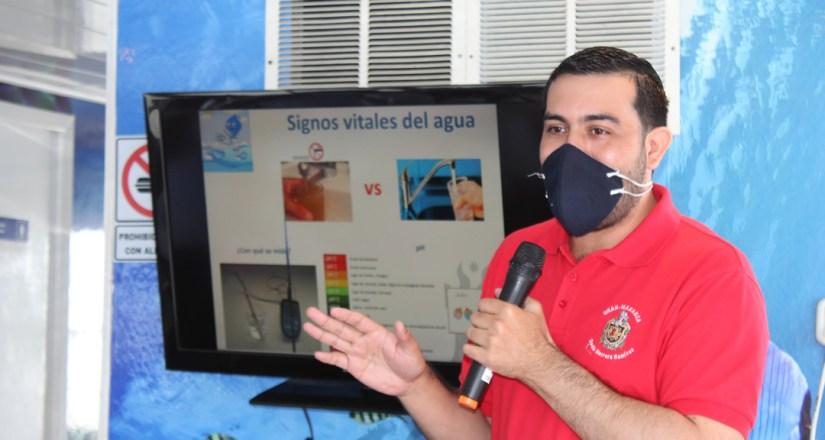El maestro Denis Herrera Ramírez, responsable de proyección y extensión del CIRA