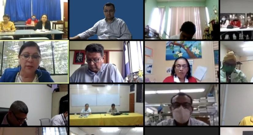 Miembros del Comité Central de Autoevaluación Institucional y de las Comisiones Ad Hoc participaron en el encuentro