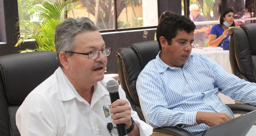 MSc. Alejandro Genet, Decano de la Facultad de Educación e Idiomas.