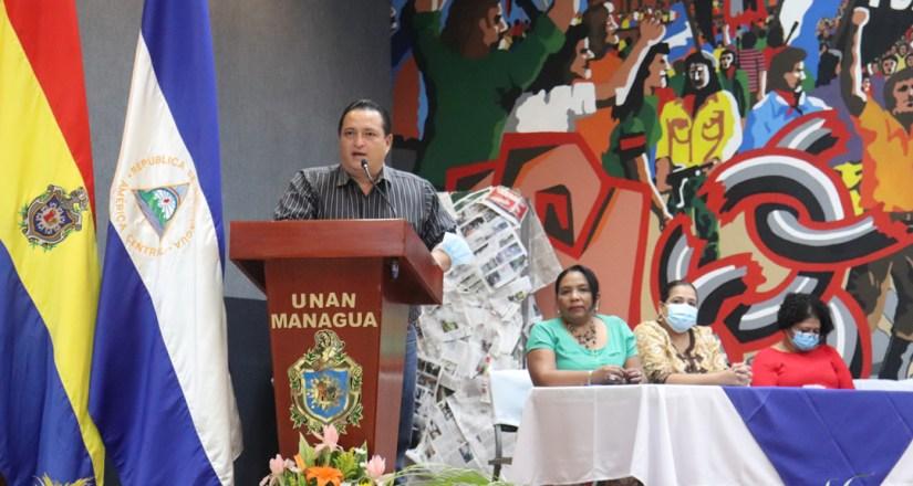 MSc. Bismarck Santana, Vicerrector de Asuntos Estudiantiles durante el acto de clausura de la Jornada Carlos Martínez