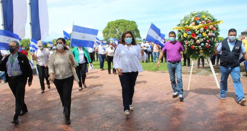 Autoridades del CNU rinden homenaje a los héroes de la batalla de San Jacinto