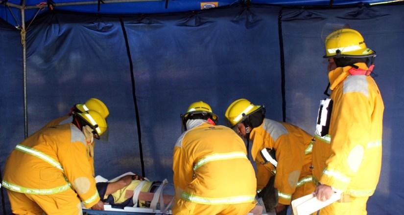 Brigada de bomberos de la UNAN-Mangua durante el ejercicio nacional multiamenazas.