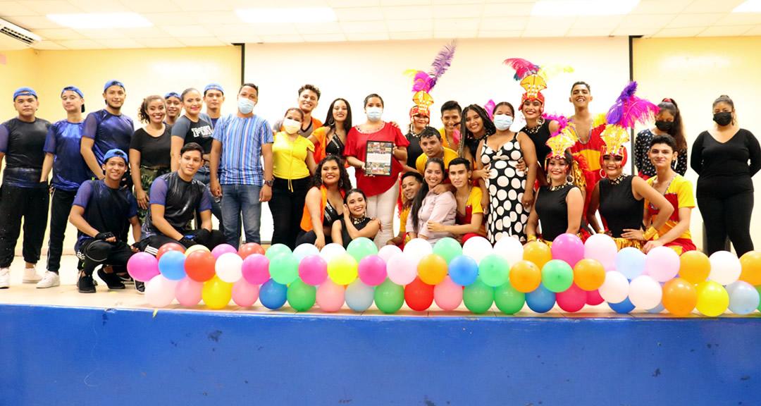 Agrupación universitaria Danza Variedades celebra su 14 aniversario