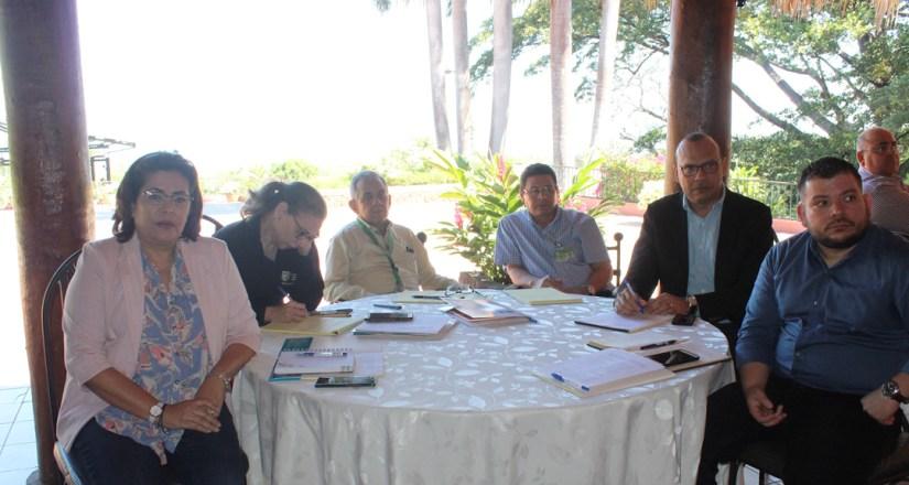 Participantes en el taller de gestión de la calidad y del establecimiento del modelo de educación centrada en el aprendizaje, organizado por el CNU.