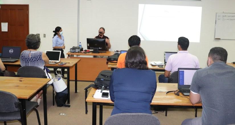 Participaron en el taller de docentes e investigadores de las Facultades y centros de investigación