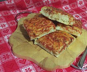 PIZZA IN TEGLIA FATTA IN CASA (2 ore di lievitazione)