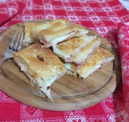 Torta salata prosciutto e formaggio 6