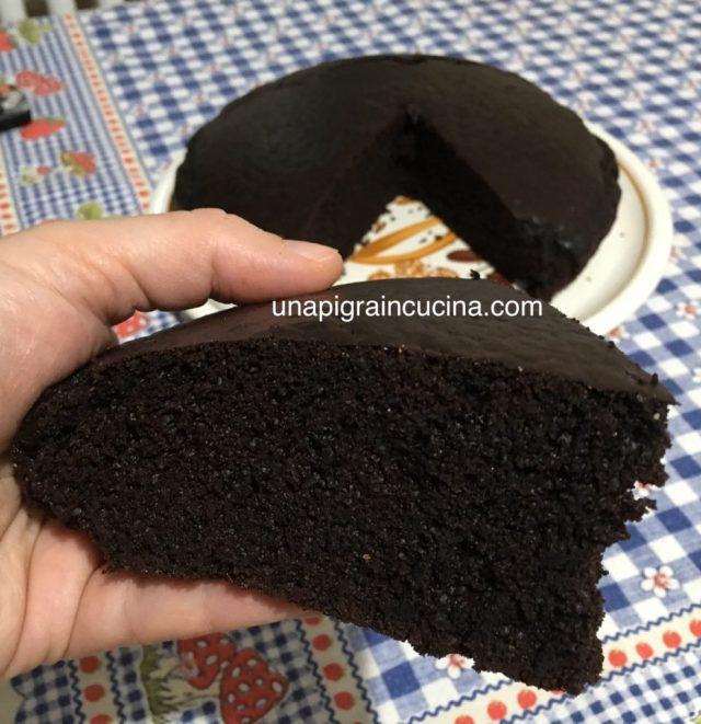 Torta Nera Senza Uova e Burro
