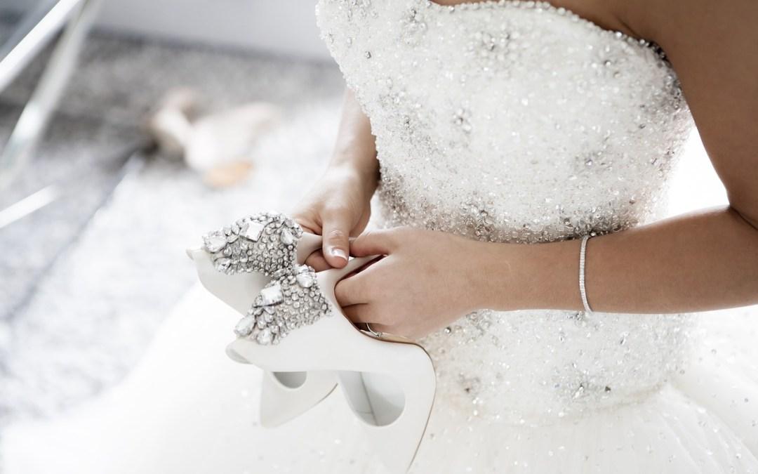 Gli accessori per completare l'abito da sposa