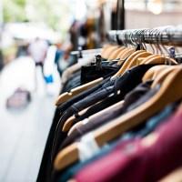 Cosa acquistare durante i saldi: 7 consigli per non avere capi che resteranno inutilizzati nell'armadio in futuro