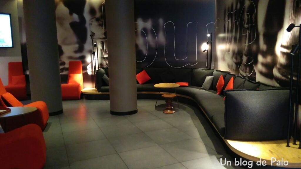 Alojamiento en Bruselas: Hotel ibis off Grand Place entrada