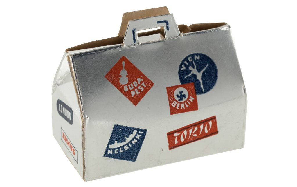 Caja de dulces, maleta. Fuente: Exposición 100 objetos de Finlandia