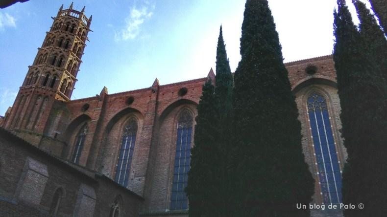 Vista de la iglesia de los Jacobinos desde el claustro
