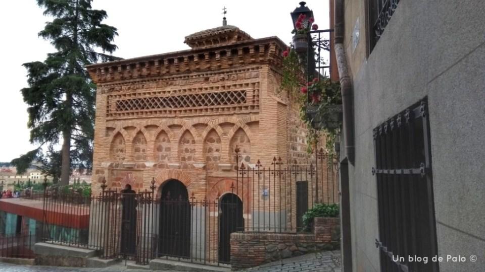 Lateral de la mezquita del Cristo de la Luz Toledo