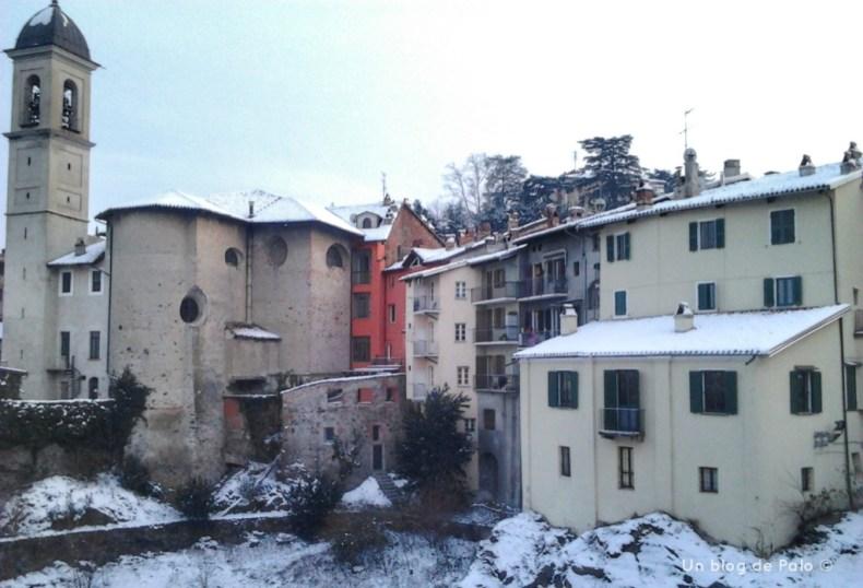Vistas desde el Puente Vecchio al Borghetto nevado