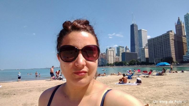 Día de playa en el lago Michigan en Chicago