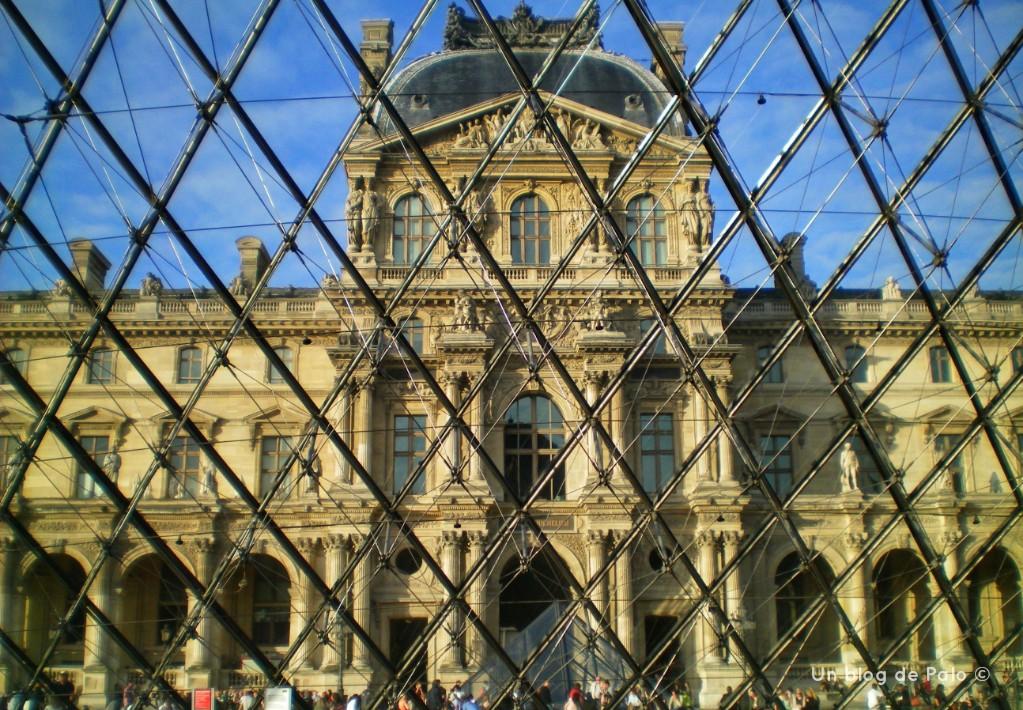 El Louvre en París