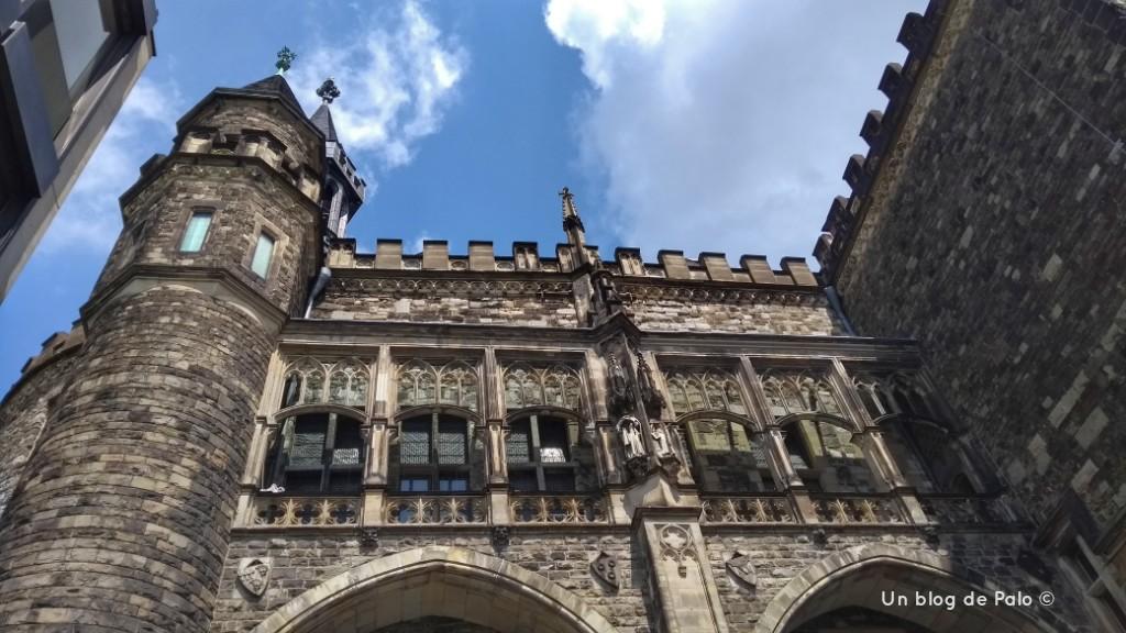 Parte trasera del Rathaus de Aquisgrán