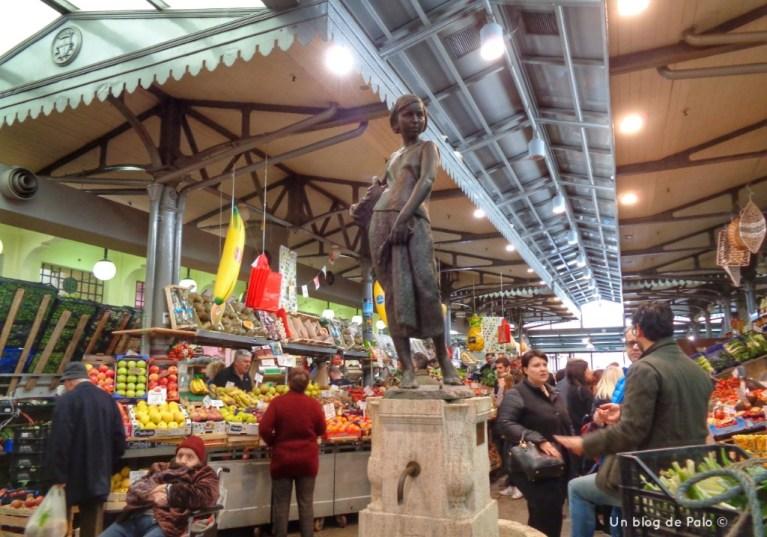 Mercado Albinelli en el centro de Módena