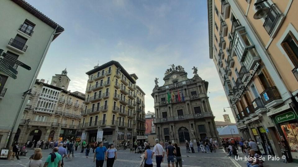 Panorámica de la Plaza del Ayuntamiento en Pamplona