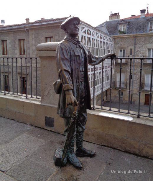 Estatua de Celedón en Vitoria