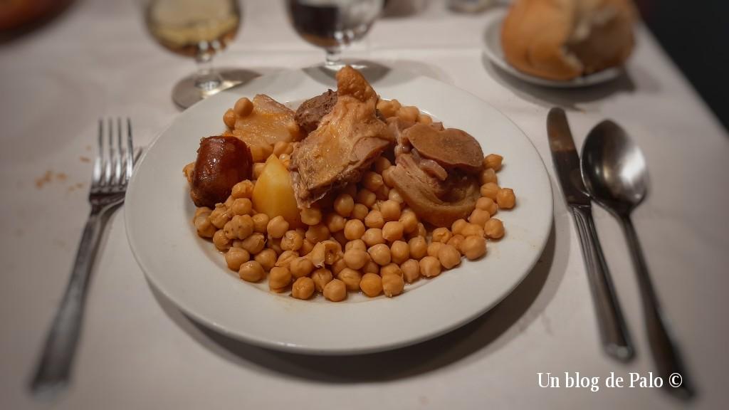 Cocido en el restaurante La Bola en Madrid