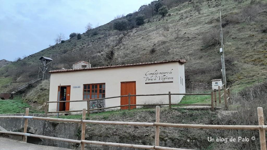 Exterior de las minas de manganeso