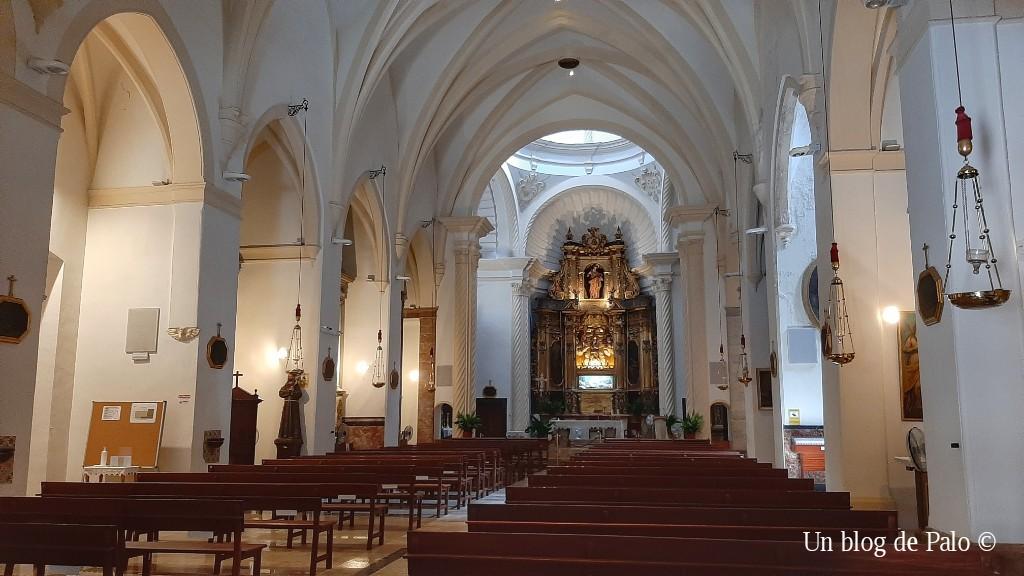 Interior de la iglesia de San Bartolomeu en Valldemossa