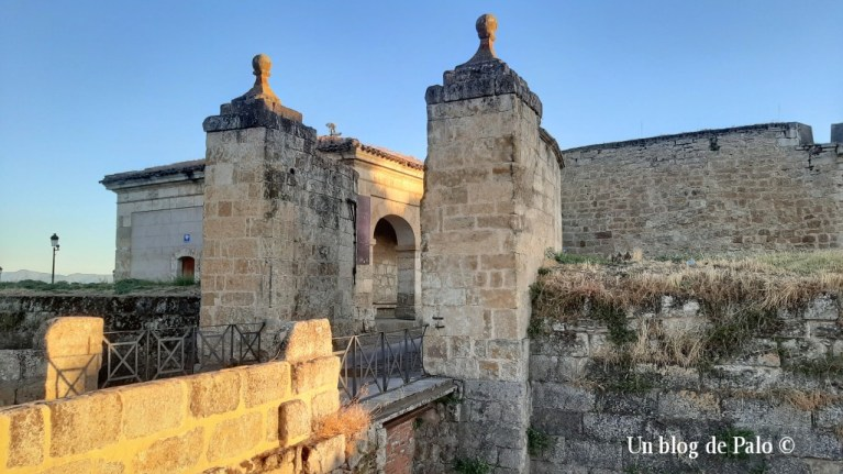 Acceso al centro histórico de Ciudad Rodrigo