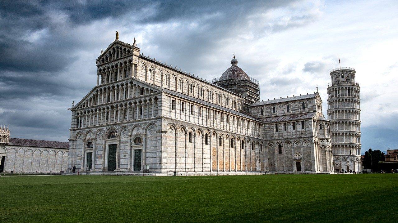 Vistas de la plaza de la Catedral de Pisa