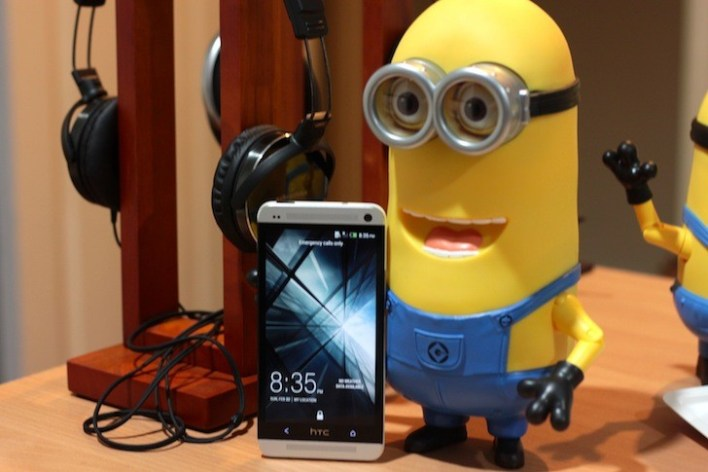 Even the Minions want to have their pictures taken with the HTC One! Lol.