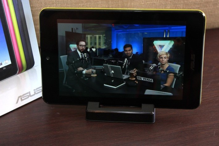 Watching the Verge podcast in HD! Win.