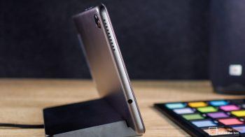 Lenovo Smart Tab M8 Review-9