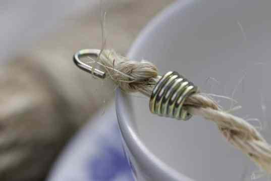 Crochet avec noeud pour la mangeoire à oiseaux
