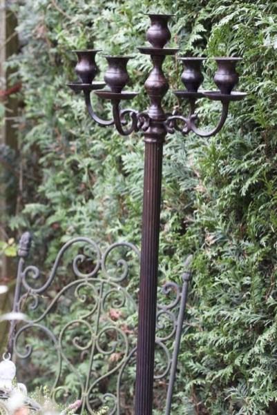 candélabre au jardin, décoration shabby chic