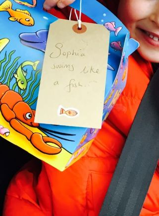 Swimming themed treats for the car journey to swimming lessons. Swimming party themed food boxes