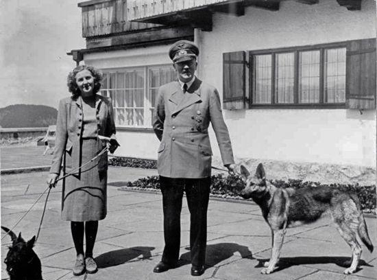 Eva Braun & Hitler at his Berghof estate