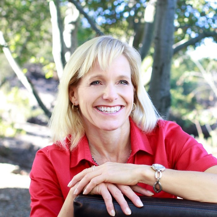 Ep293: Turning Words into Wealth with Author Trainer Aurora Winter, MBA