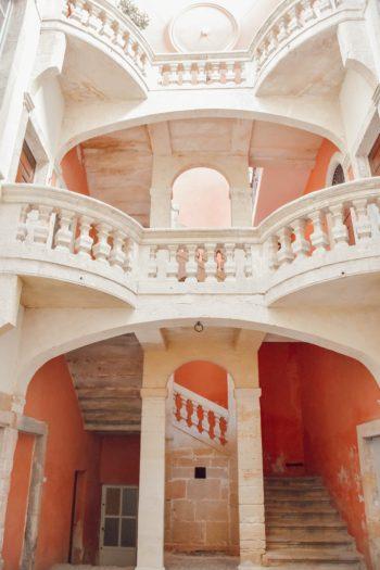 escalier hotel particulier de fontfroide à Nimes
