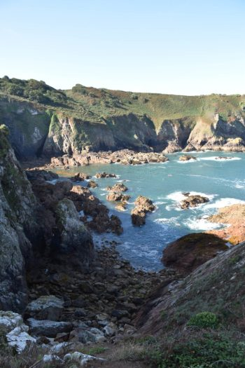 Beau point de vue sur Devil's Hole (St. Mary) à Jersey