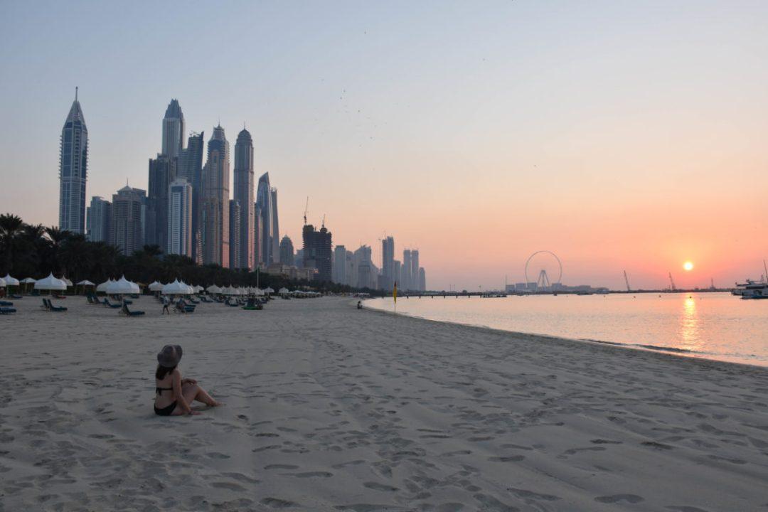 Coucher de soleil à Dubai au Drift Beach Club