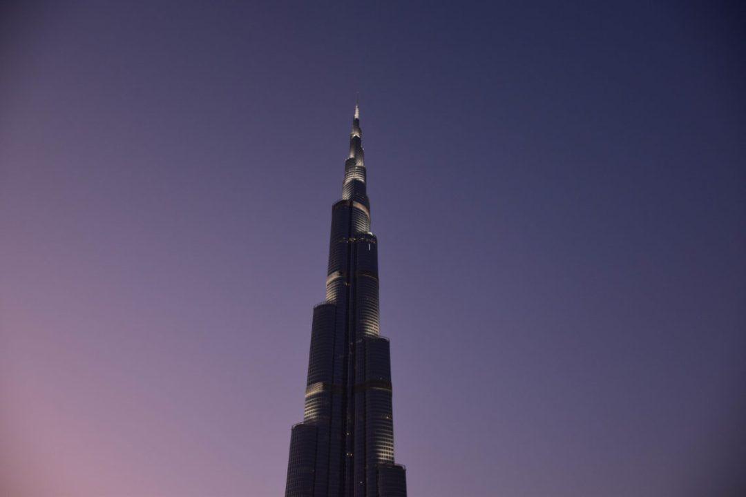 Coucher e Soleil sur le Burj Khalifa – la plus haute tour du monde