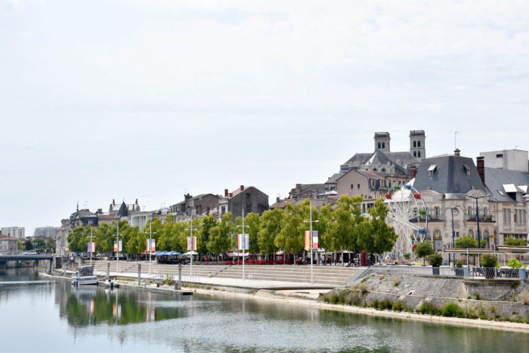 Centre ville de Verdun avec la Meuse