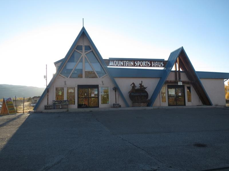 Monarch Cafe And Fresh Food Store