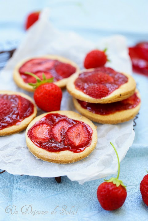 Tartelettes ou biscuits à la fraise