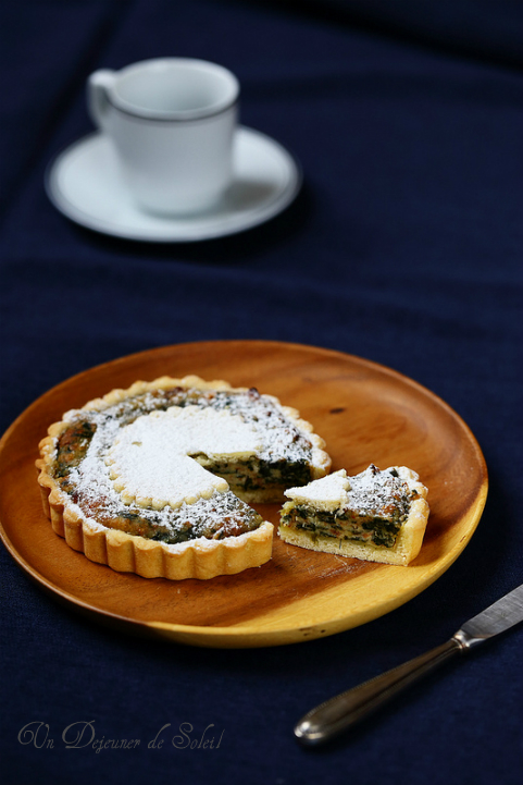 Erbazzone dolce, gâteau italien à la ricotta et épinards