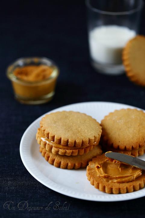 Biscuits au beurre ou purée de cacahouètes (peanut butter cookies)