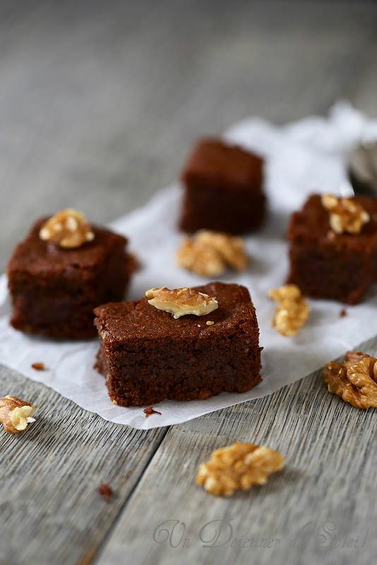 g teau fondant au chocolat et aux noix sans gluten un d jeuner de soleil. Black Bedroom Furniture Sets. Home Design Ideas