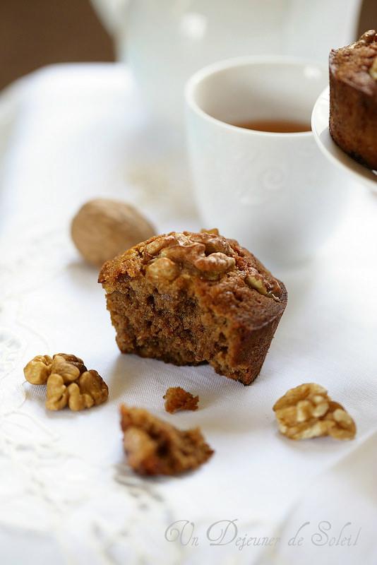 gâteau aux noix - un déjeuner de soleil