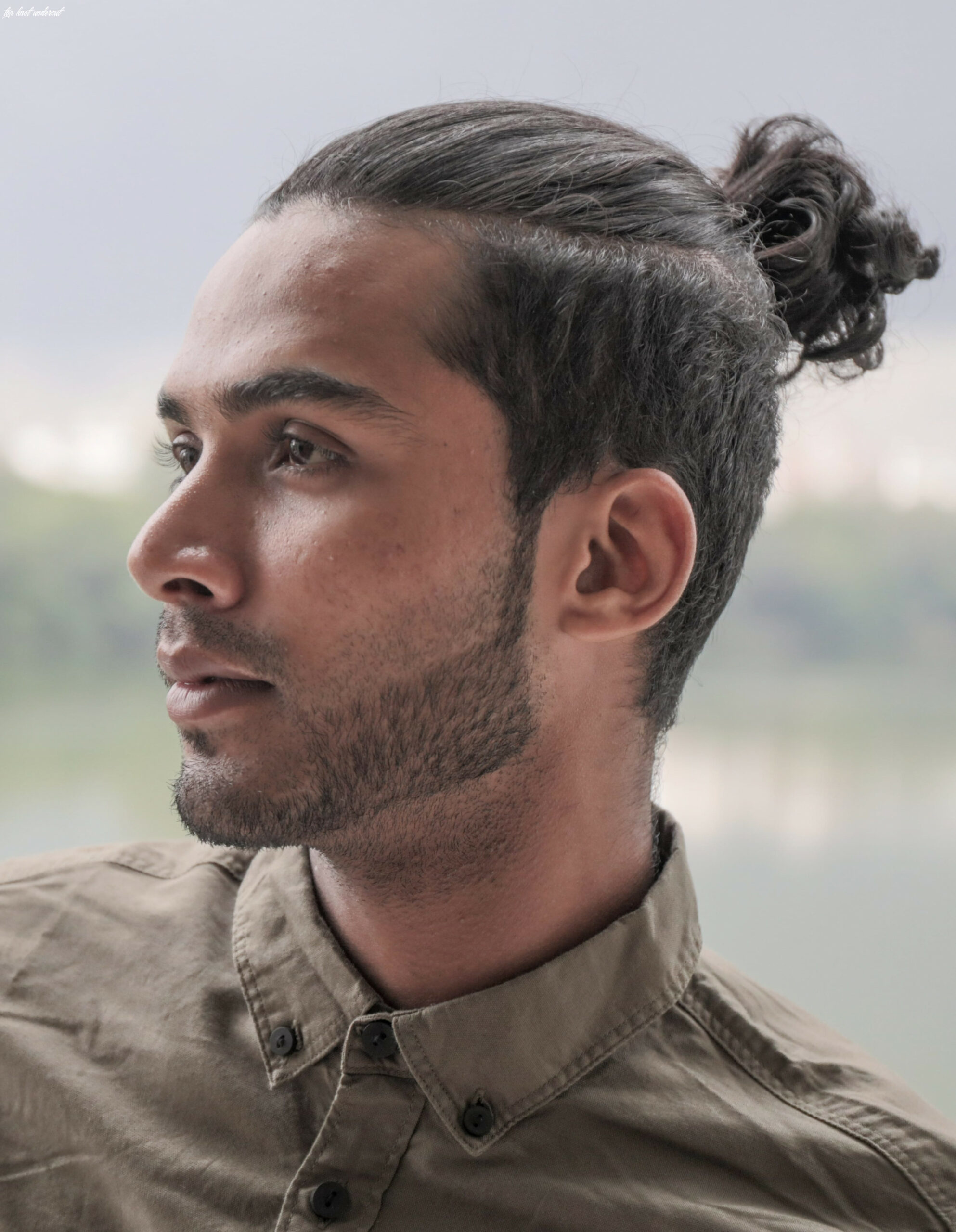 The top knot hairstyle visual guide for men (10 different styles) top knot undercut